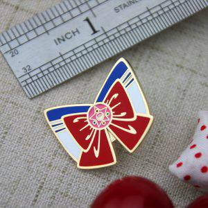 The Size of The Red Bowknot Lapel Pin