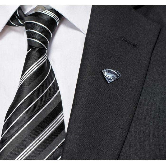 How to Choose Right Lapel Pins Wear on Your Tuxedo or Suit